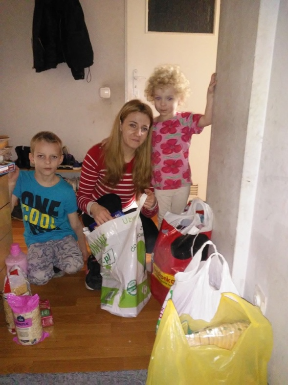 Partnering with 6 churches in Poland for food outreaches